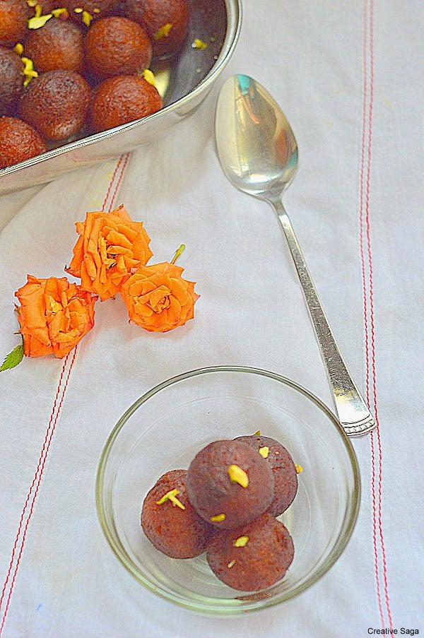 Easy gulab jamun recipe diwali sweet recipes creativesaga easy gulab jamun recipe diwali sweet recipes forumfinder