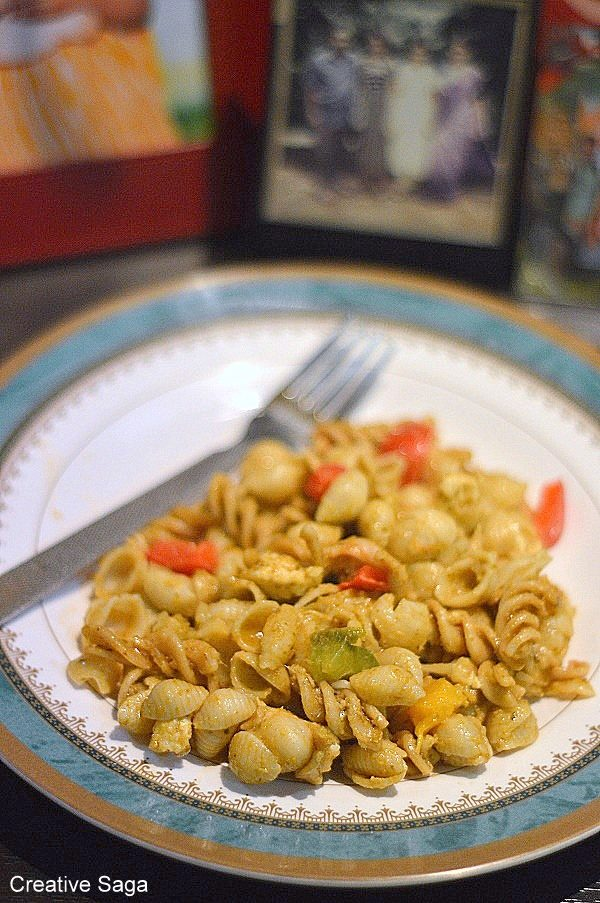 basil pesto and vegtable pasta